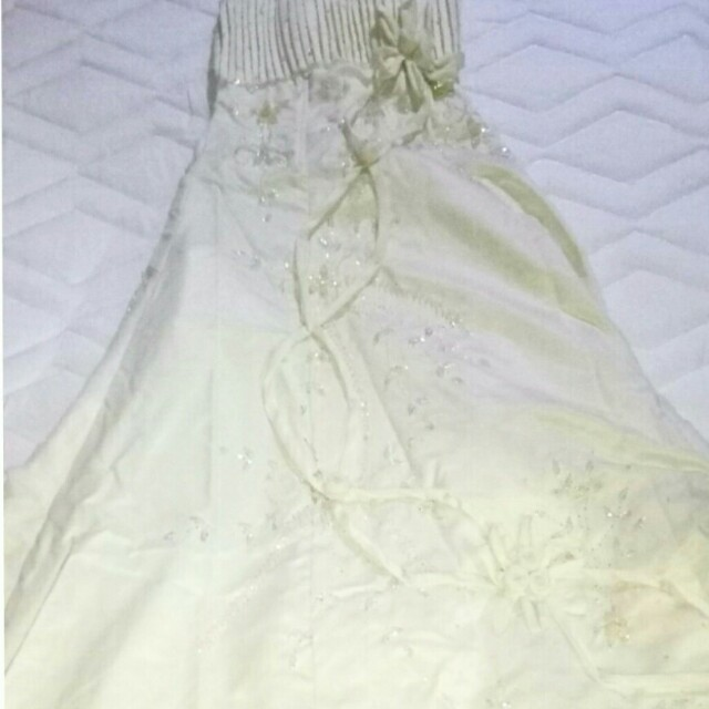 Wedding gown w/ long veil