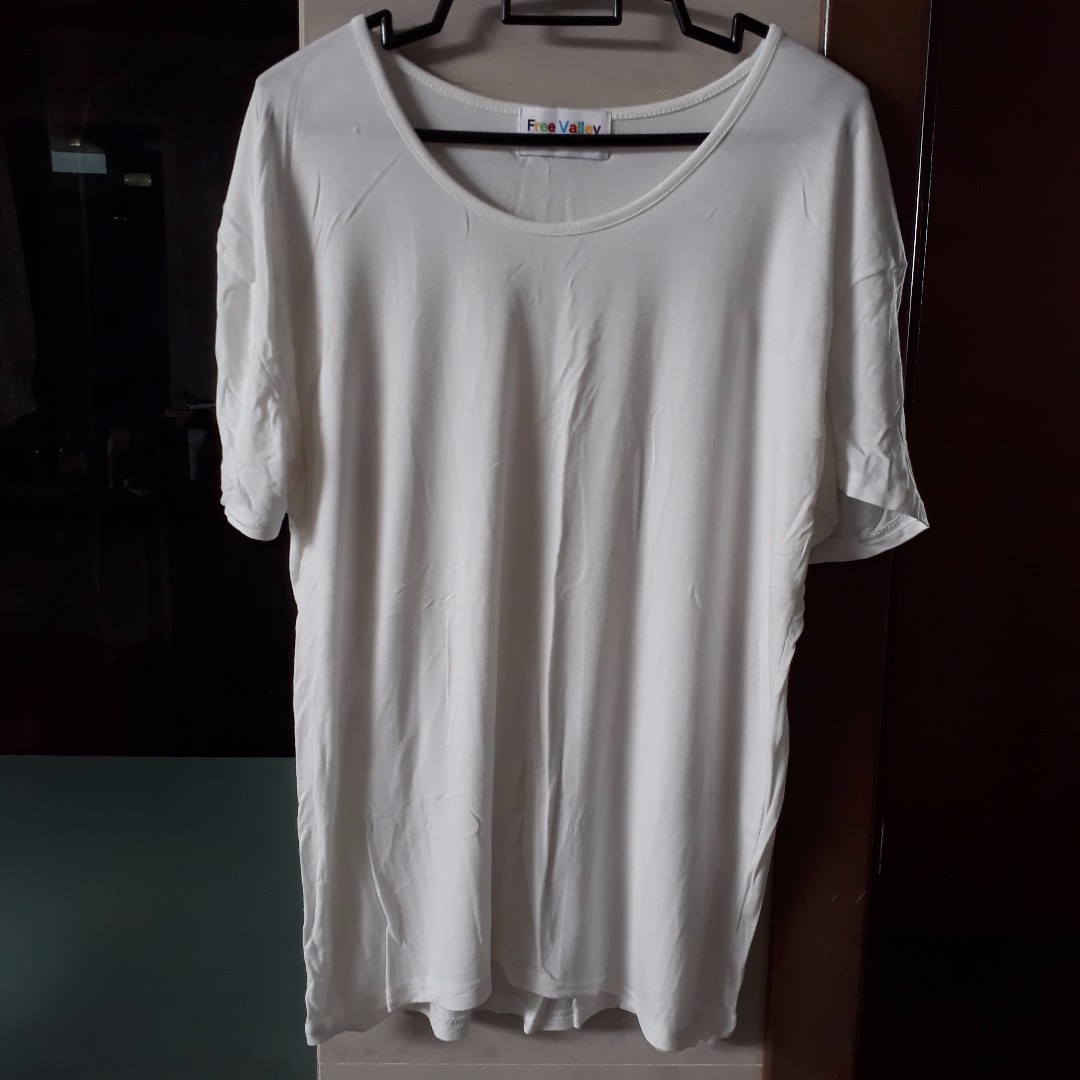 White loose flowy t shirt