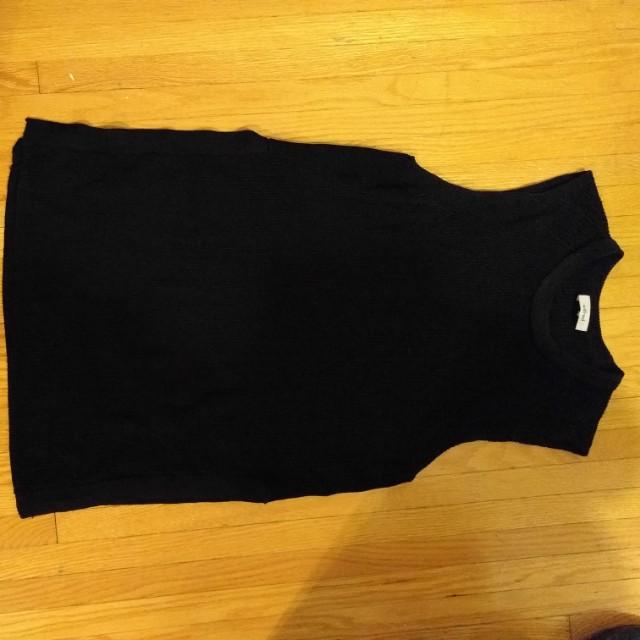 Wilfred (S) black shirt
