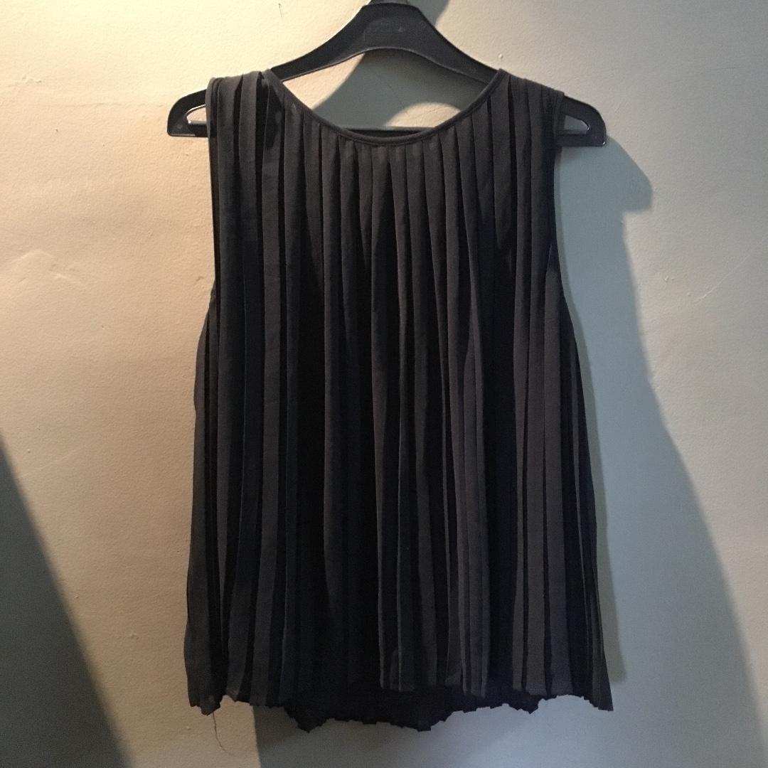 Zara pleats top