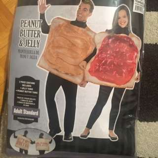 PB & J couples Halloween costume