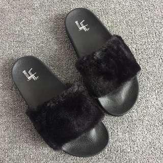 Instock brand new Korean fluffy / furry sandals / slippers
