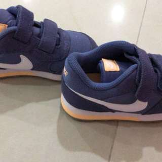 Brand new Nike shoes (blue)