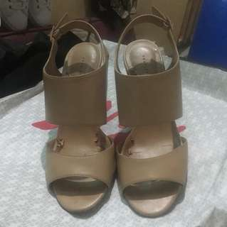 Authentic Charles & Keith Classy wedge