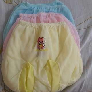 Celana Pop bayi