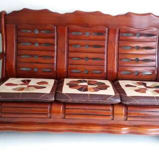 1 set solid wooden chairs. 3seater+2 single seater+1 marble coffee table + 1side table and additional cushion.seats.
