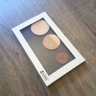 Medium Z Palette + free products!