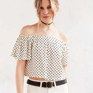 Urban Outfitters Kimchi Blue Jena Off Shoulder Top (XS)