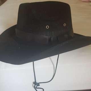 Cowboy Hat Size: 35cm x 33cm