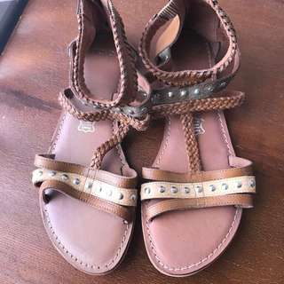 Novo Beige Leather sandal s9-10