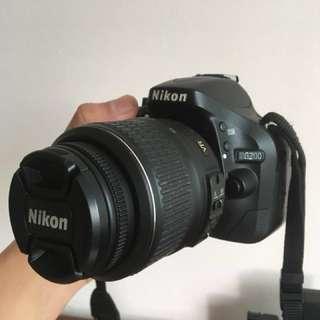 Nikon D5200 INCLUDES BOX FOR $500