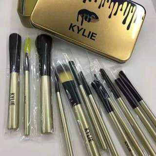 12 pieces Kylie make up brush