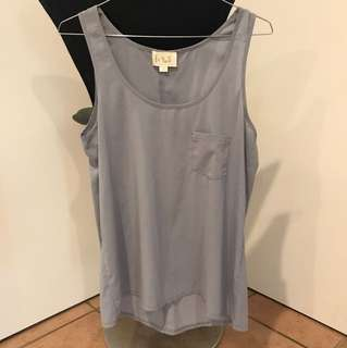 Grey singlet thin material size 8