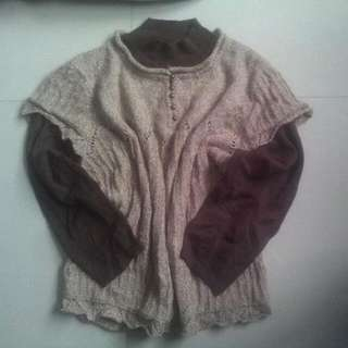 semi knitted sweater with botton