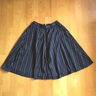 傘狀長裙 / 黑深藍條紋