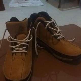 Dijual sepatu timberland