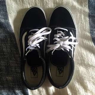 VANS OLD SCHOOL BLACK AND WHITE LOW SHOES