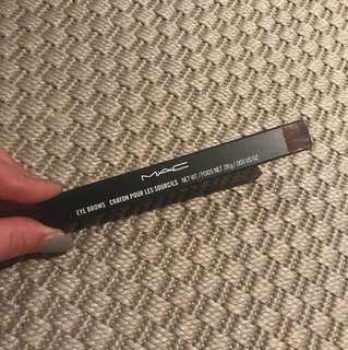 MAC strut eye brow pencil