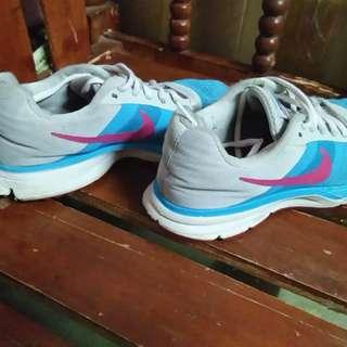 Original NIKE Shoes for sale!