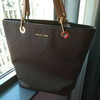 清屋Michael Kors logo shoulder bag