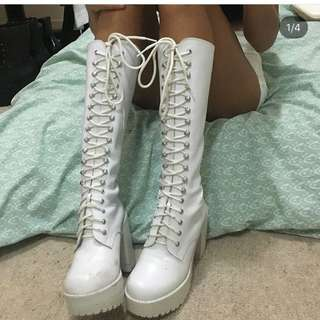 Roc boots white lace up size 6