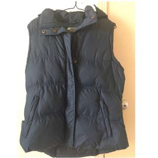 Insulated vest for women