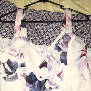 Crop top white with flowers