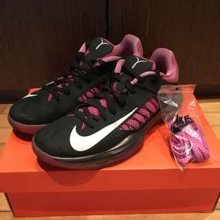 Nike 2012Hyperdunk Low 乳癌配色