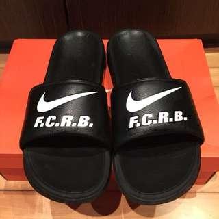 Nike x F.C.R.B. 聯名拖鞋