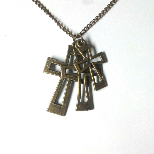 3 Crosses Necklace