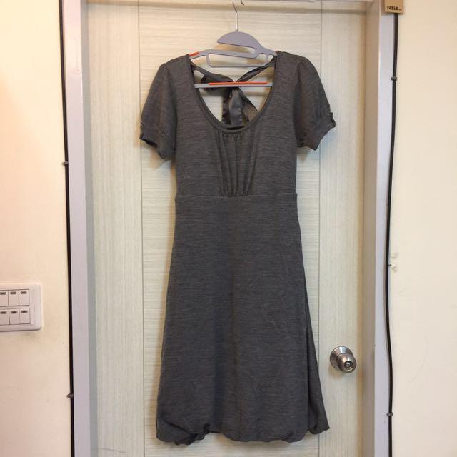 中灰色針織長花苞裙