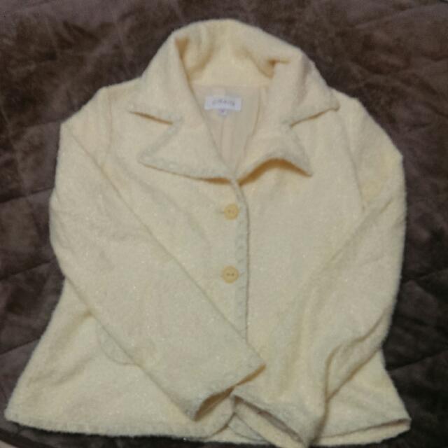 過年降價出清~鵝黃色外套