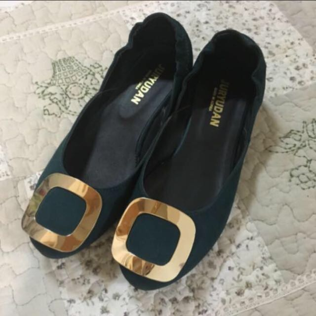 金屬釦平底鞋