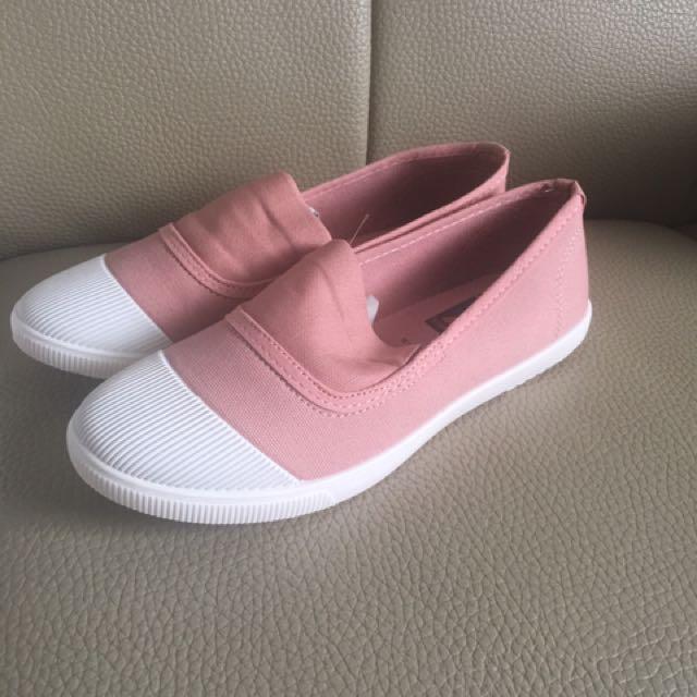 全新 韓版 休閒布鞋 39號