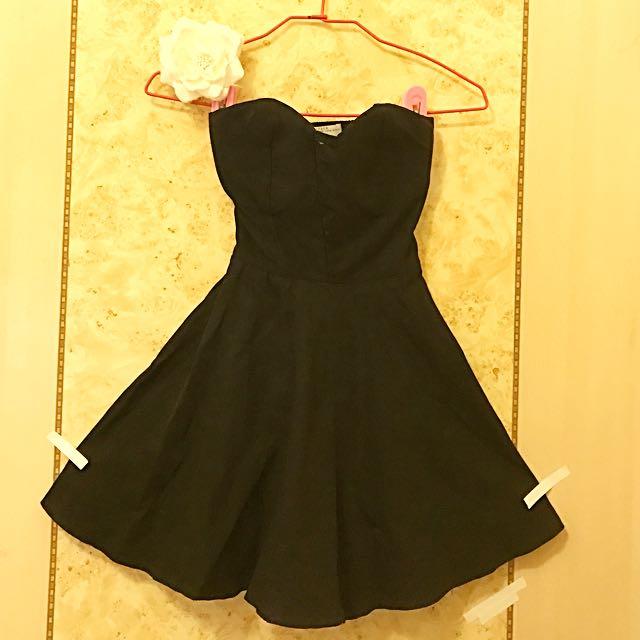 平口傘擺小洋裝 ❤️胸墊 網紗 《現貨》