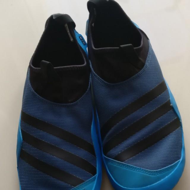 classic 4ea0f a4622 Adidas jawpaw warna blue, Men's Fashion, Men's Footwear on ...