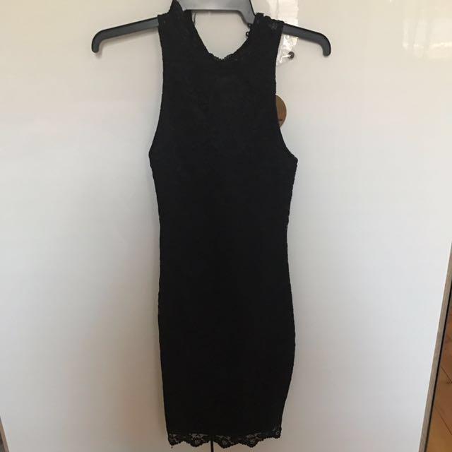 BNWT  sz XS Black lace cocktail dress very stretchy