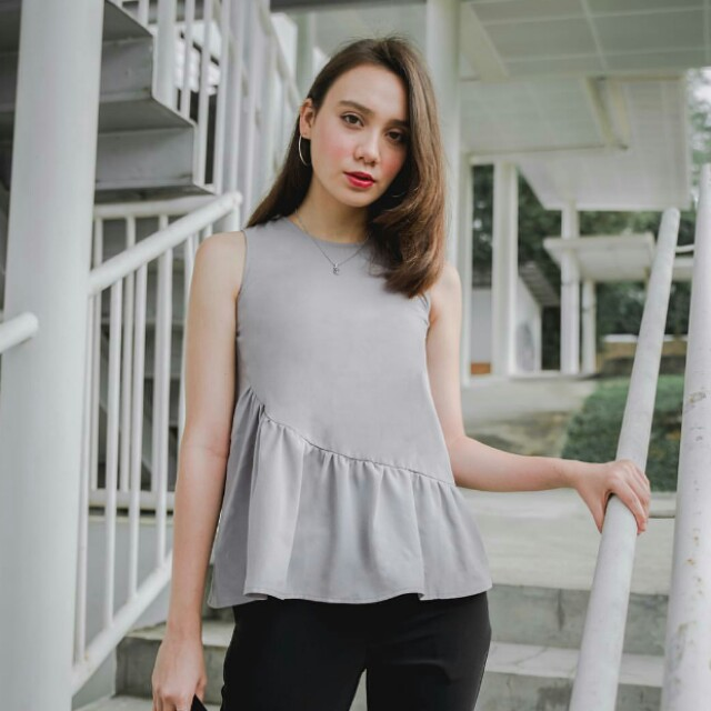 BNWT White blouse
