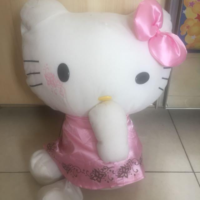 Boneka hellokitty