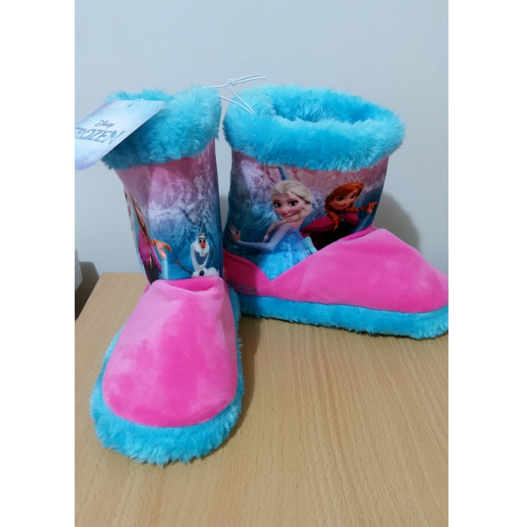 **BRAND NEW** KIDS FROZEN UGG BOOT SLIPPERS ($12 POSTAGE)