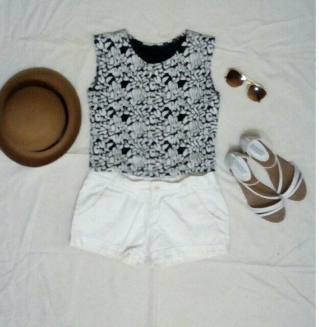 Bundle! Floral crop top and bowler hat