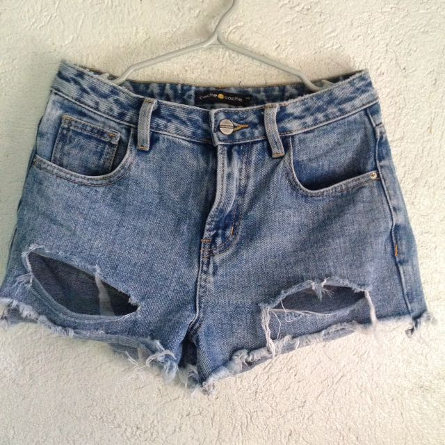 Cache cache maong short (ripped)