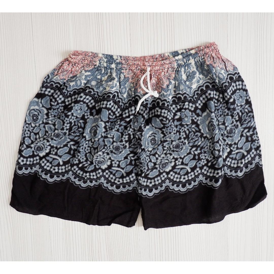 CAMBODIA printed shorts