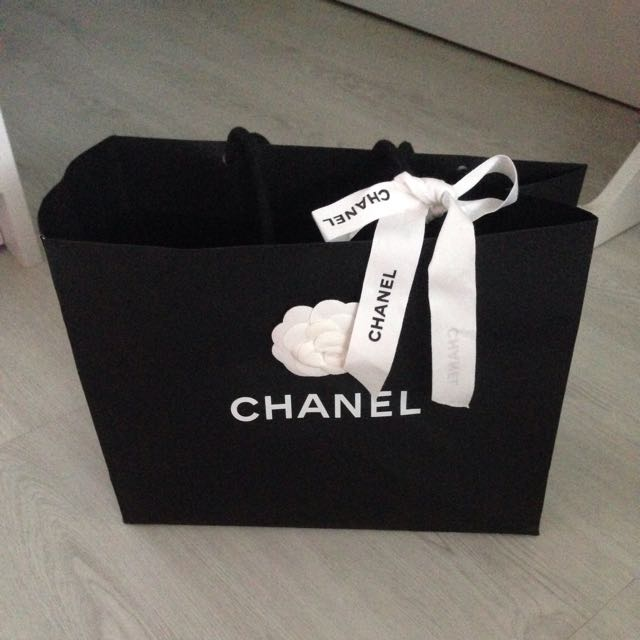 5735fe14256134 Chanel Medium Paper Bag With Flower And Ribbon, Luxury, Accessories ...