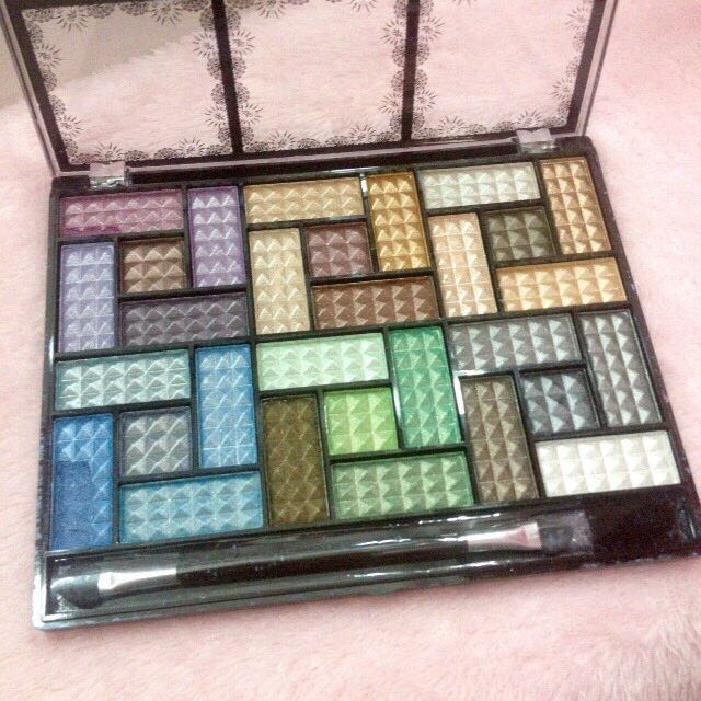 Dolly Angel Eyeshadow Pallete 30colors