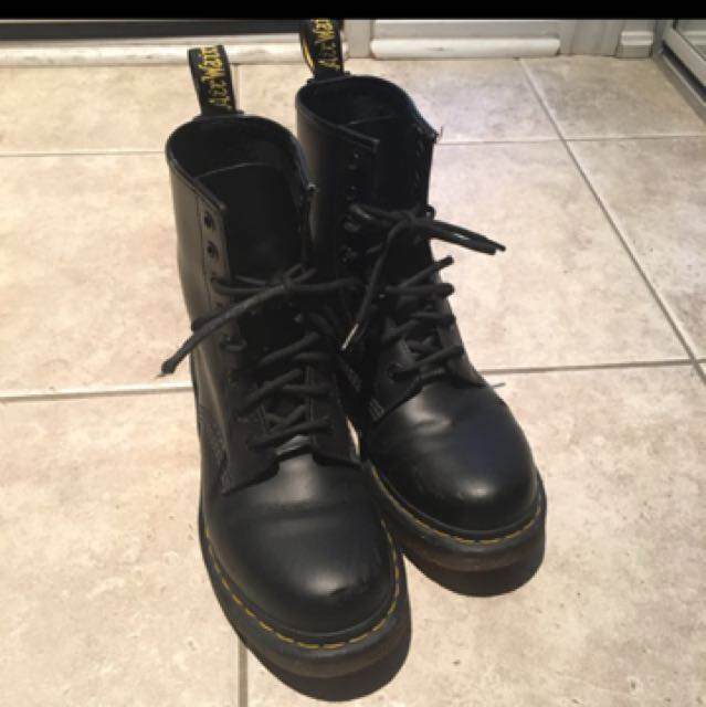 Dr.Martens 8 Eyes Boots