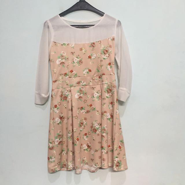 flowery cream dress
