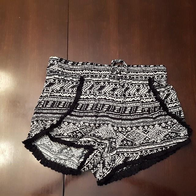 Garage Shorts size XS