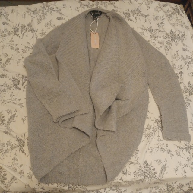 Grey bell sweater, large