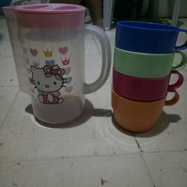 hello kitty pitcher and cups